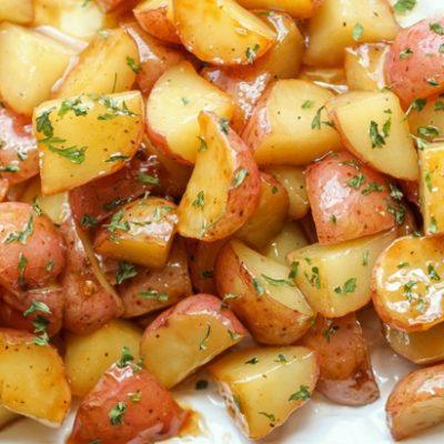 Запеченный молодой картофель, в апельсиновой глазури - рецепт с фото