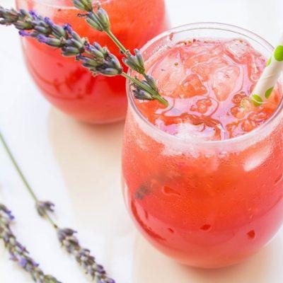 Клубнично-лавандовый лимонад - рецепт с фото