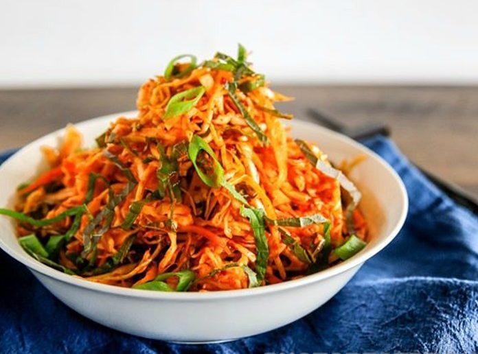 Корейский салат с морковкой и морской капустой