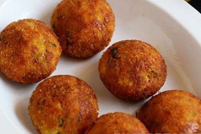 Котлеты из мясного фарша с начинкой из сыра и зелени - рецепт с фото