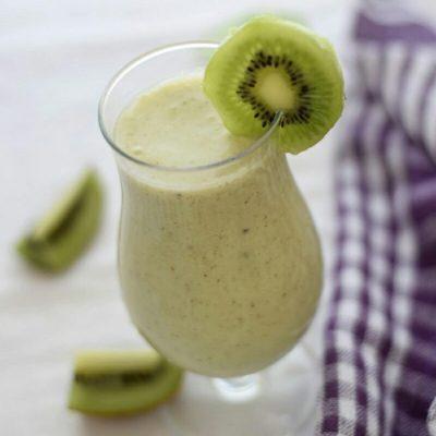 Молочный праздничный коктейль с лаймом и киви - рецепт с фото