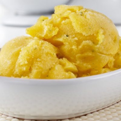 Нежный сорбет из манго с лаймом - рецепт с фото