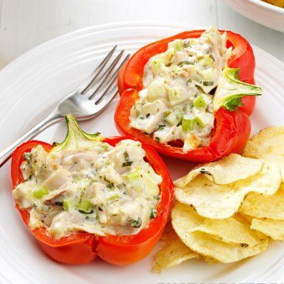 Перец, фаршированный курицей и киви - рецепт с фото