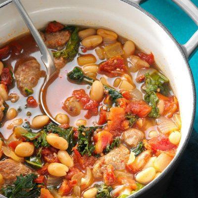 Томатная похлебка с белой фасолью и колбаской из индейки - рецепт с фото