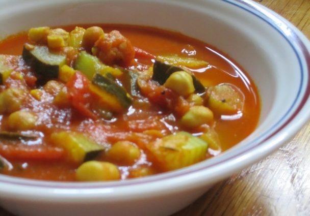 Рагу из кабачков, томатов с горохом нут, в мультиварке
