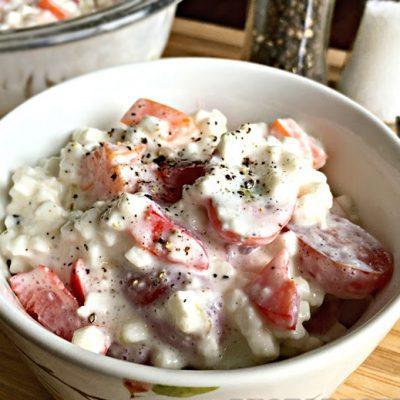 Салат из помидоров и огурцов с творогом - рецепт с фото