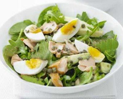 Салат из жареного минтая с солеными огурцами - рецепт с фото