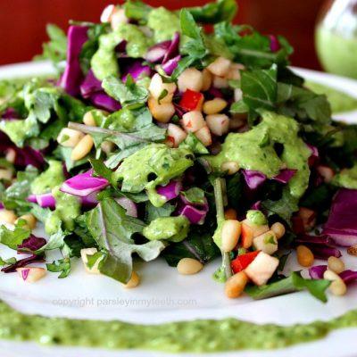 Салат из красной капусты с яблоком под соусом Песто - рецепт с фото