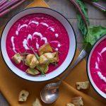 Свекольный суп-пюре с крутонами