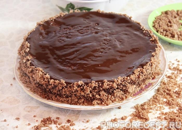 Фото рецепта - Торт «Пьяная вишня» с шоколадной глазурью - шаг 20