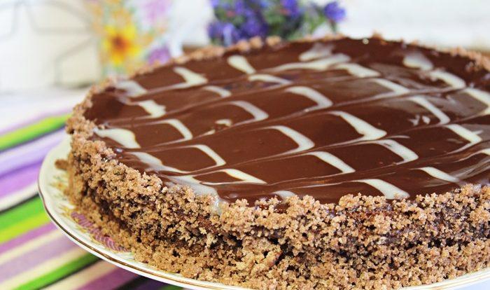 Торт «Пьяная вишня» с шоколадной глазурью