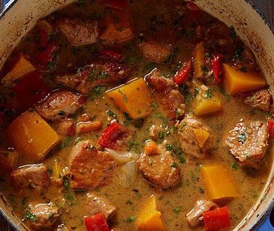 Тушеная телятина с овощами - рецепт с фото
