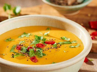 Вегетарианский морковно-тыквенный суп с имбирем - рецепт с фото