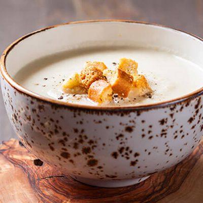 Хлебный крем-суп с копченой грудинкой - рецепт с фото
