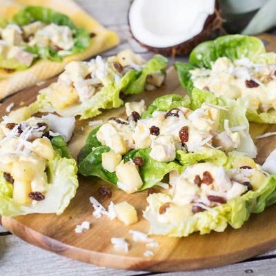 Закусочный карибский салат с ананасом и курицей - рецепт с фото