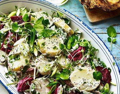 Закусочный салат из молодого картофеля и свеклы - рецепт с фото