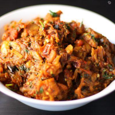 Жареные баклажаны с перцем и помидорами - рецепт с фото