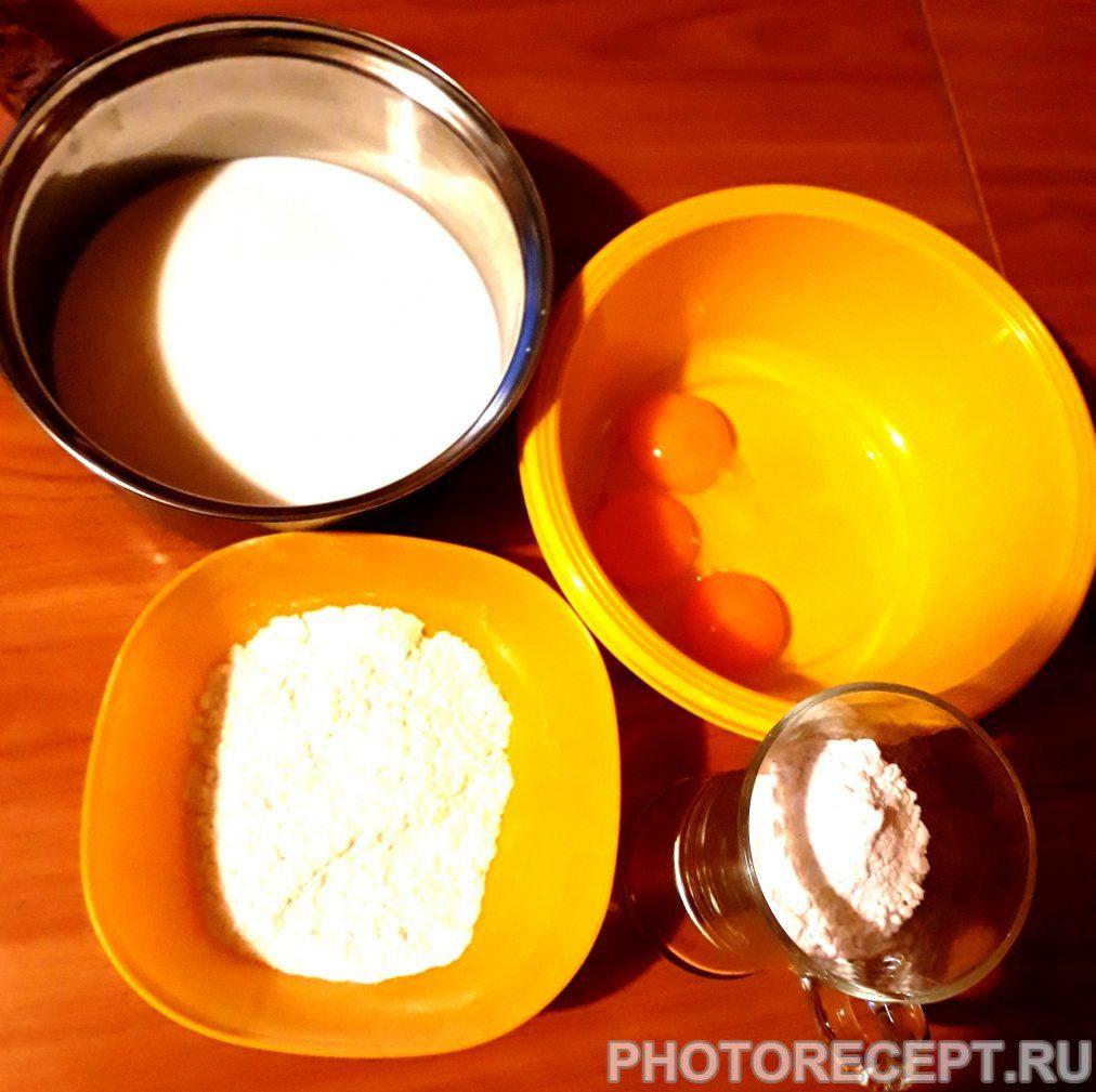 Фото рецепта - Бисквит с заварным кремом, безе и инжиром - шаг 5