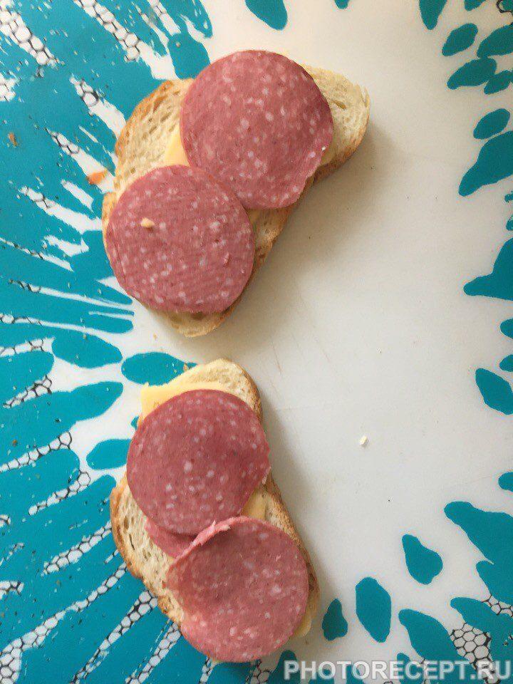 Фото рецепта - Простые и вкусные горячие бутерброды - шаг 2