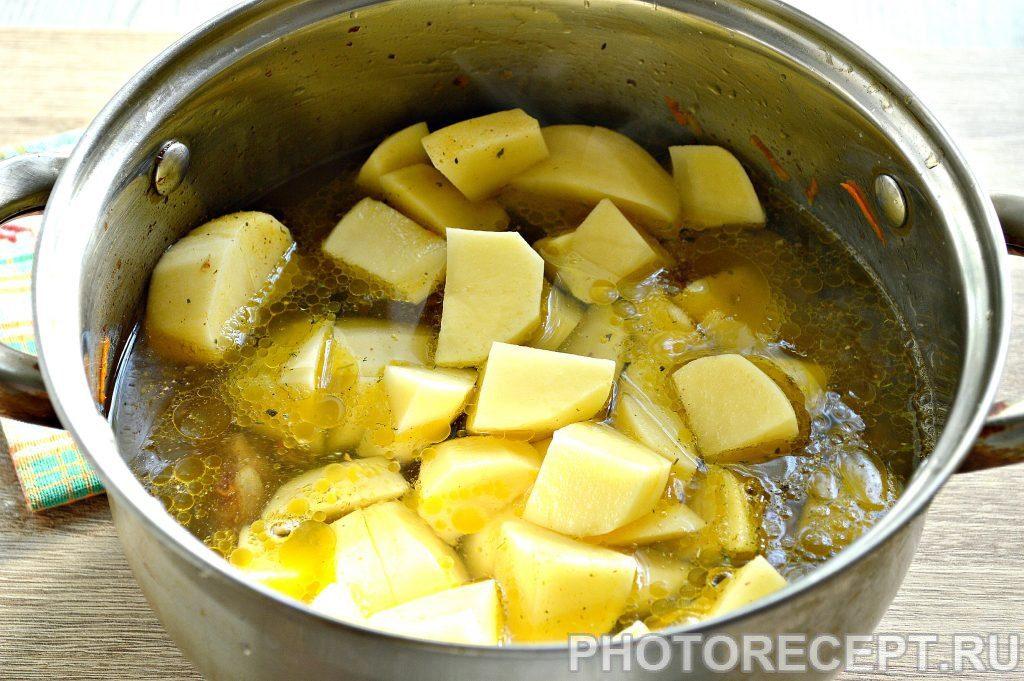 Фото рецепта - Картофель, тушеный с печенью в кастрюле - шаг 5