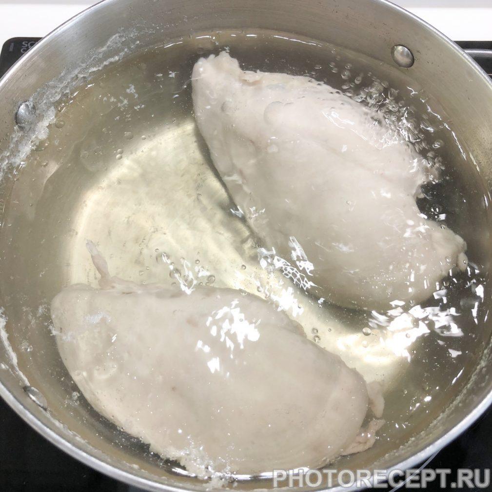 Фото рецепта - Праздничный салат с ветчиной и грибами - шаг 1