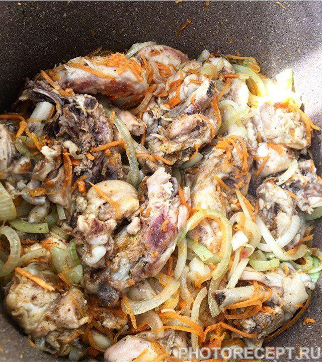 Фото рецепта - Плов с красной фасолью и овощами - шаг 1