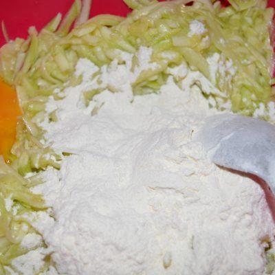 Фото рецепта - Оладьи из кабачков - шаг 4