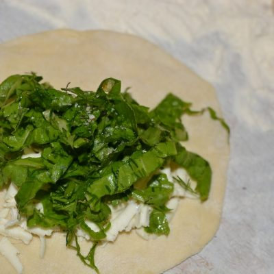 Фото рецепта - Кутабы с зеленью и сыром - шаг 7