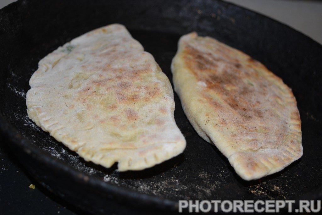 Фото рецепта - Кутабы с зеленью и сыром - шаг 10