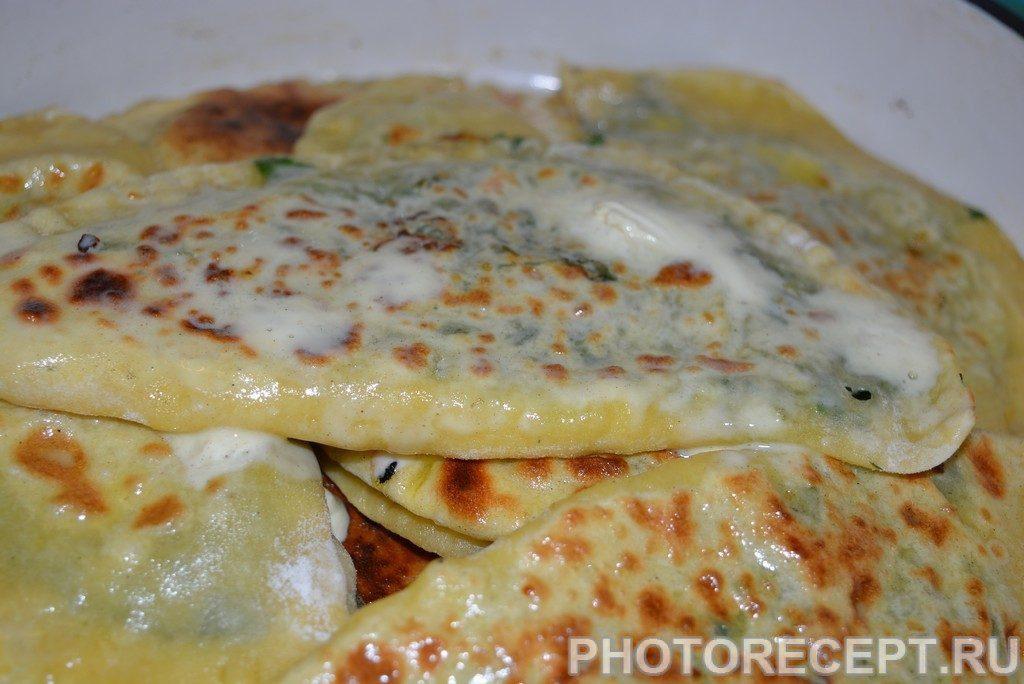 Фото рецепта - Кутабы с зеленью и сыром - шаг 11