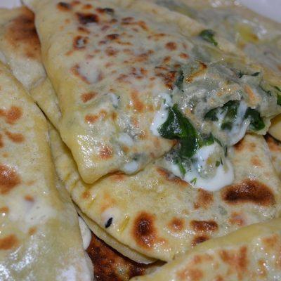 Кутабы с зеленью и сыром - рецепт с фото