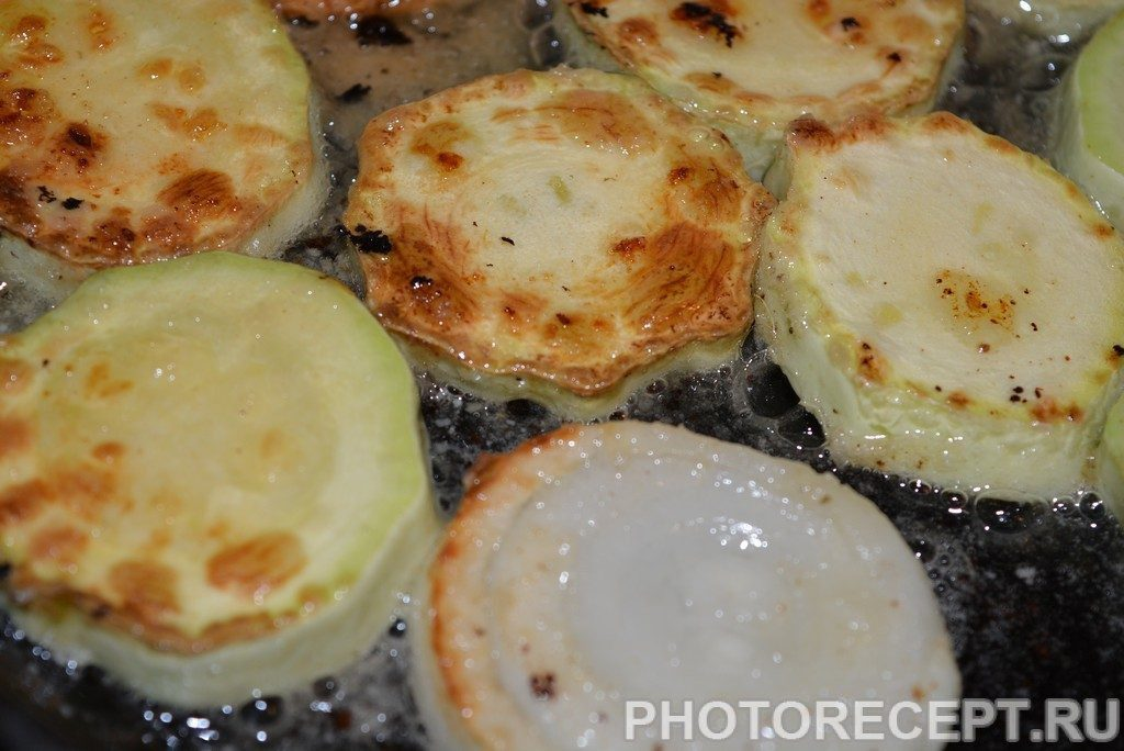 Фото рецепта - Холодная закуска из кабачков в томате - шаг 3