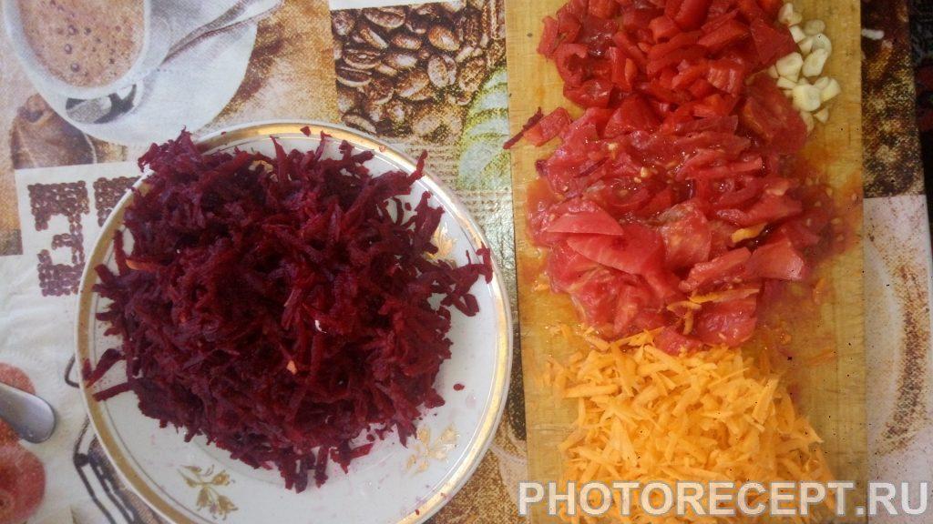 Фото рецепта - Насыщенный украинский борщ с молодой фасолью - шаг 3