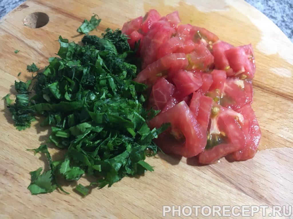 Фото рецепта - Омлет с зеленью - шаг 2