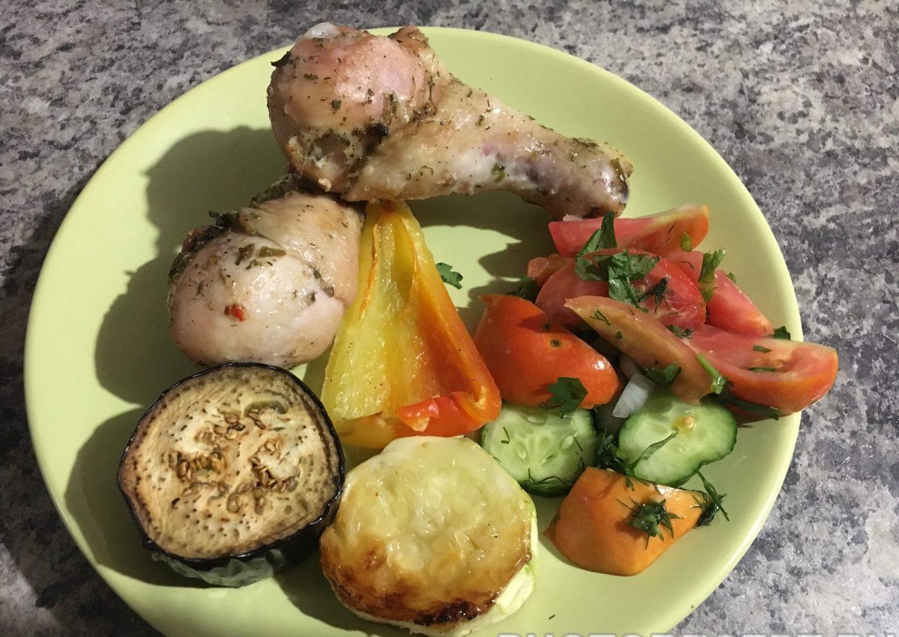 Куриные ножки запеченные с овощами