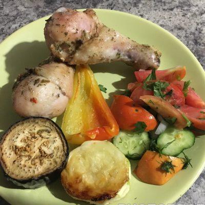 Куриные ножки запеченные с овощами - рецепт с фото