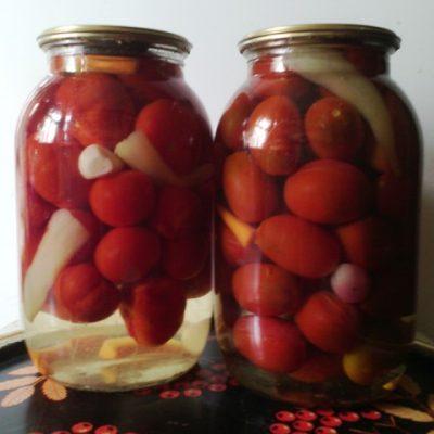 Маринованные помидоры в сладкой заливке - рецепт с фото