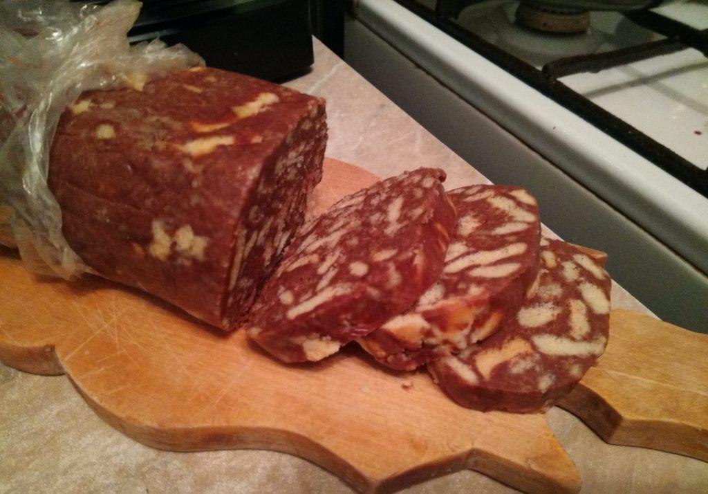 Фото рецепта - Шоколадная колбаска - шаг 7