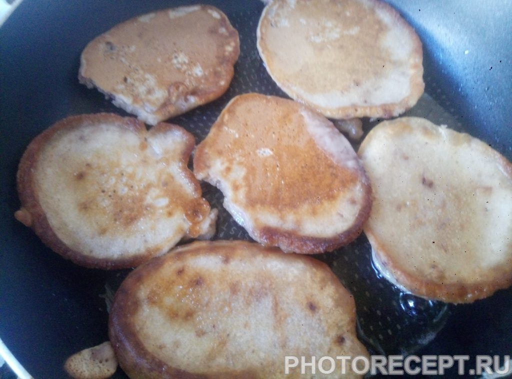 Фото рецепта - Оладьи без кефира и молока - шаг 4