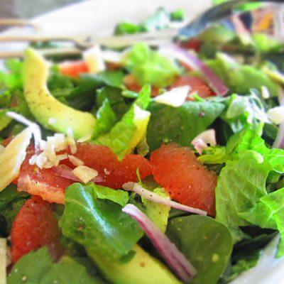 Диетический салат из авокадо с грейпфрутом - рецепт с фото