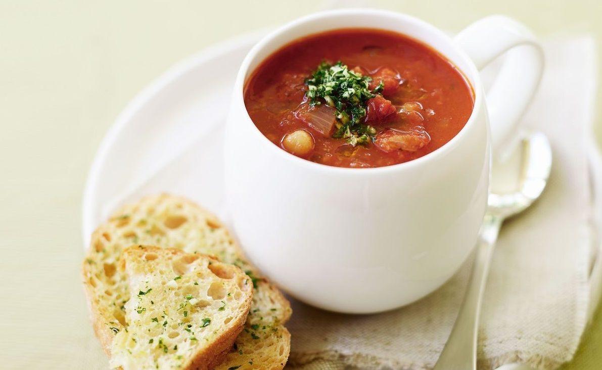 Диетический томатный суп с репой и горохом