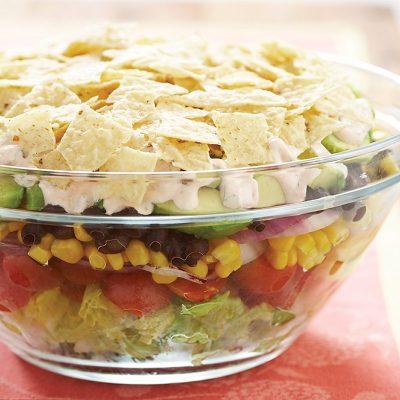 Фасолевый салат из пекинской капусты, помидор, кукурузы и авокадо - рецепт с фото