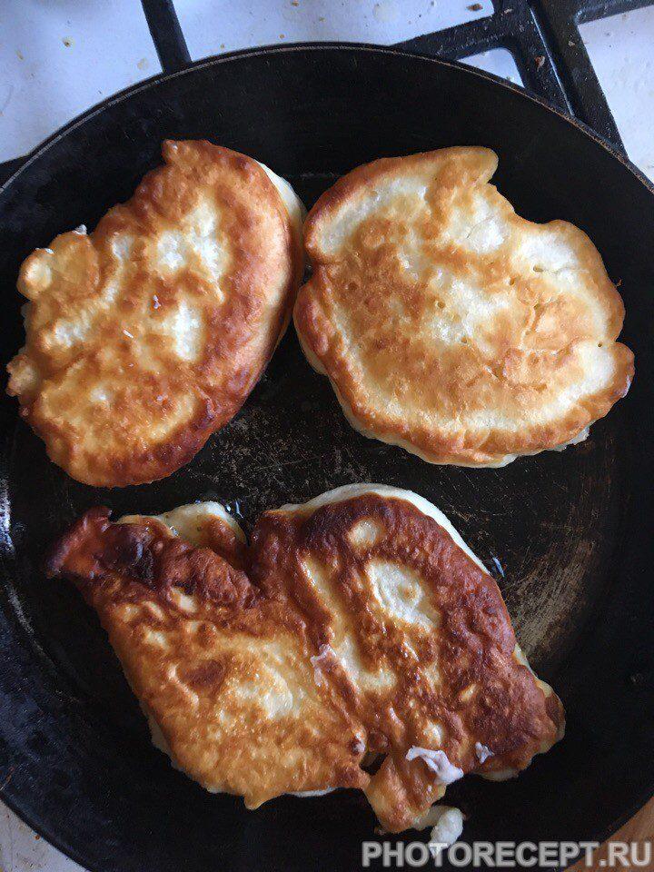 Фото рецепта - Кефирные оладьи – готовим вкусные оладьи - шаг 4