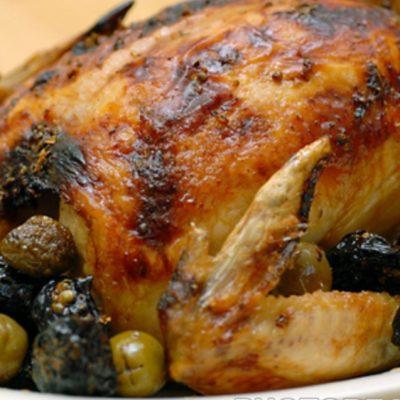 Индейка с черносливом и оливками - рецепт с фото
