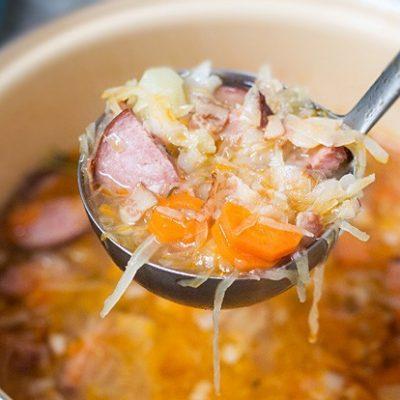 Капустняк – польские щи из квашеной капусты с колбасой - рецепт с фото