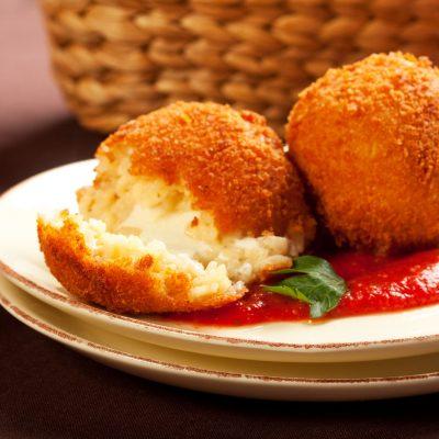 Картофельно-творожные шарики с моцареллой - рецепт с фото
