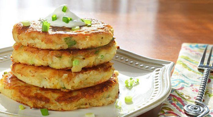 Картофельные котлеты с творогом и зеленым луком
