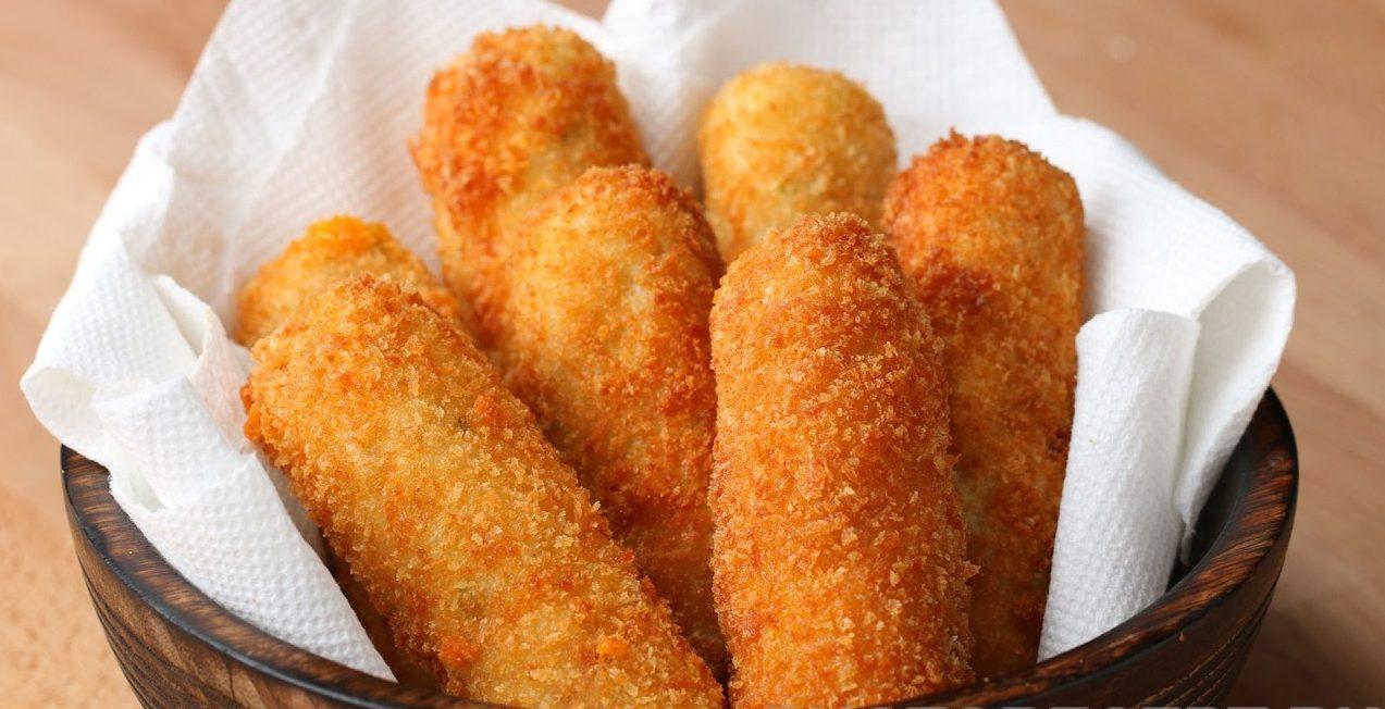 Картофельные палочки с сырной начинкой