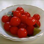 Кисло-сладкие соленые помидоры на зиму с аспирином