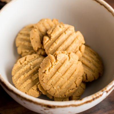 Немецкое песочное печенье на вареных желтках - рецепт с фото